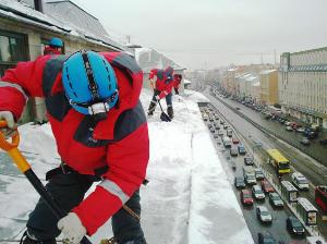 Ochistka-krovli-ot-snega